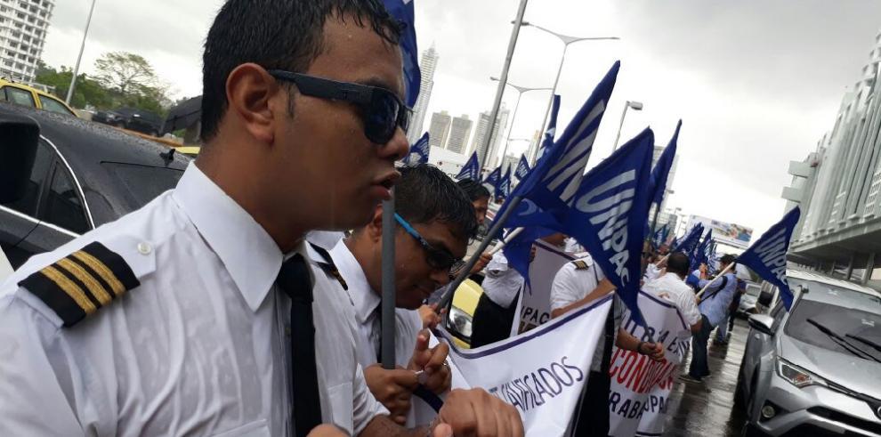 Pilotos de Copa exigen intervención de Mitradel ante reclamo laboral