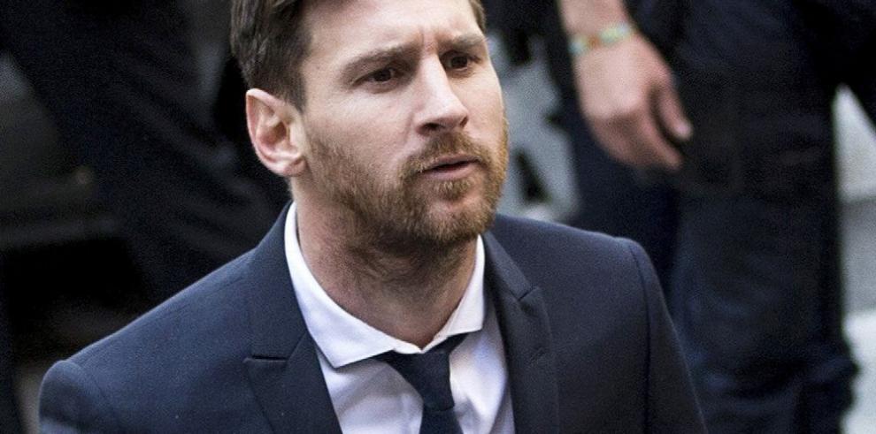 Lionel Messi es condenado, pero el Barsa lo respalda