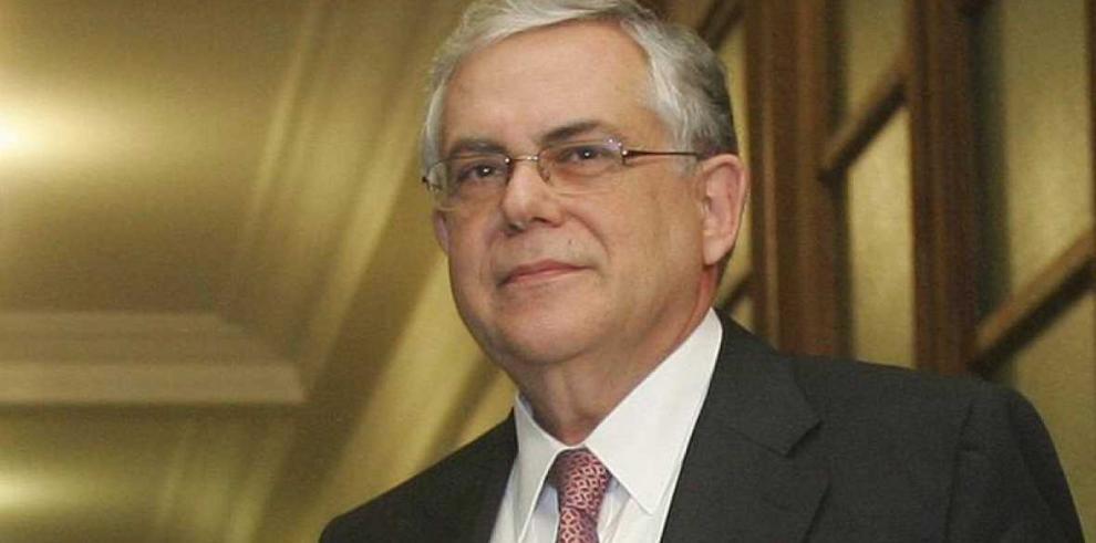 Ex jefe de Gobierno griego fuera de peligro, tras explosión
