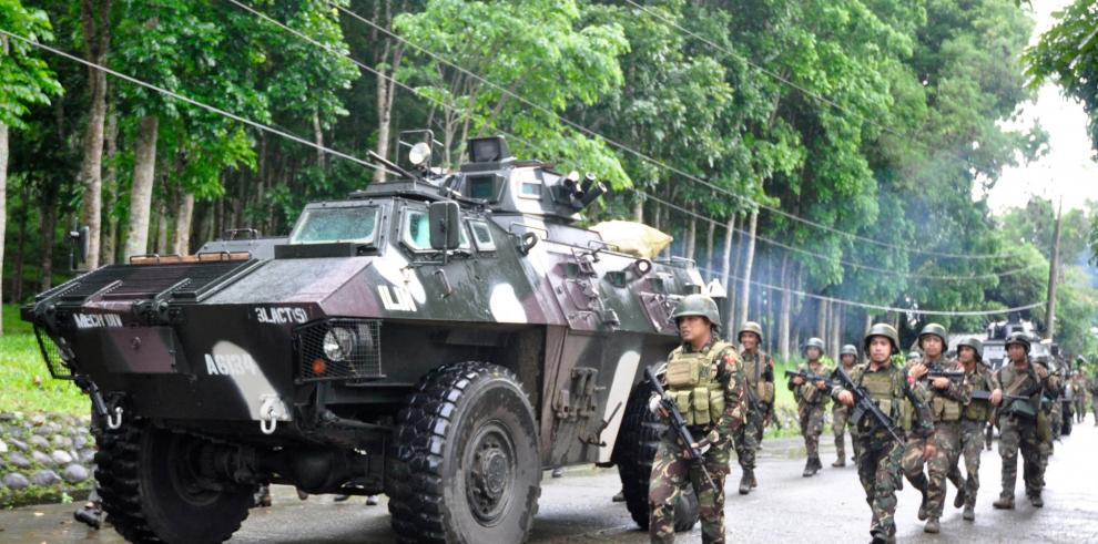 Atacan por aire a yihadistas en Mindanao, Filipinas