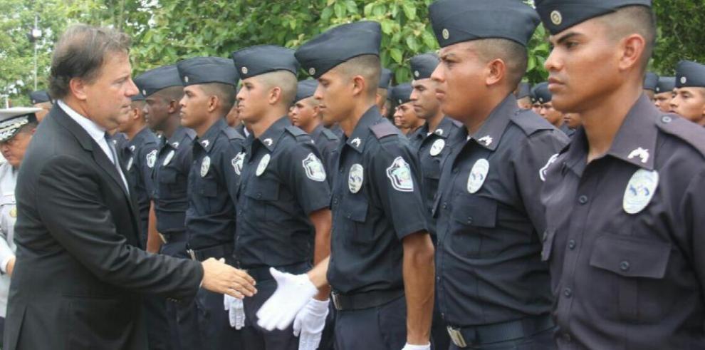 Gobierno aumenta en 1,033 el pie de fuerza de la Policía Nacional