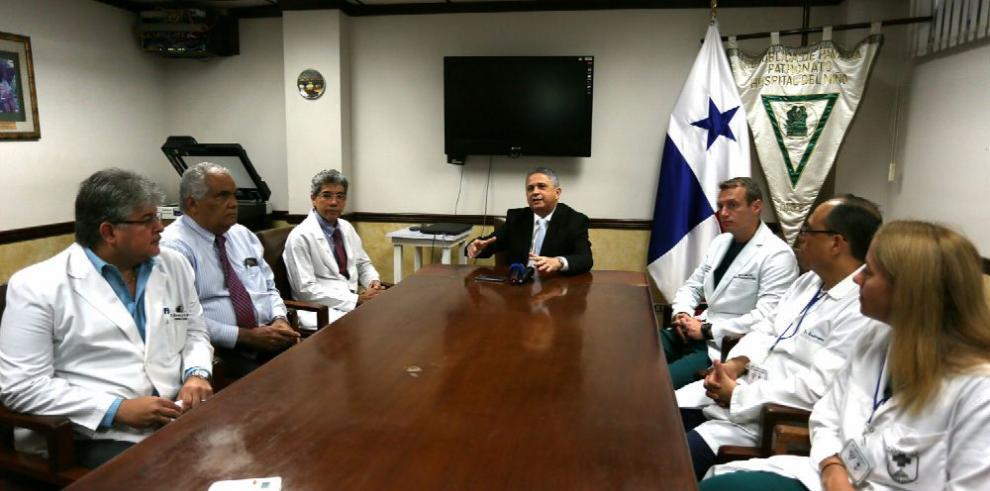 Médicos panameños y estadounidenses realizan jornada quirúrgica