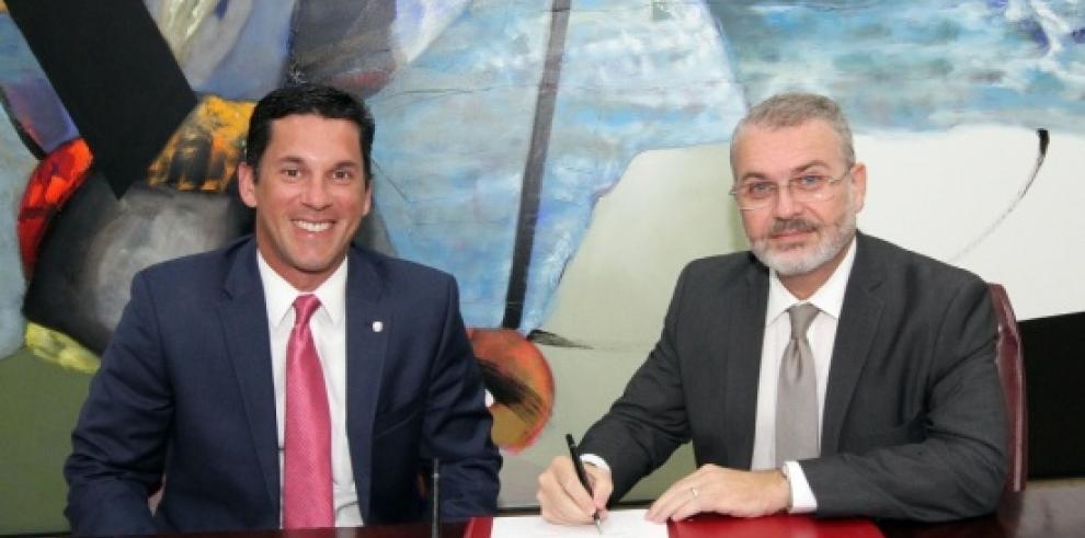 Milton Henríquez toma posesión como embajador ante el Reino de España