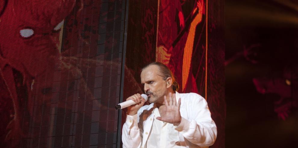 Miguel Bosé se lleva el premio al mejor artista español de los MTV EMAs
