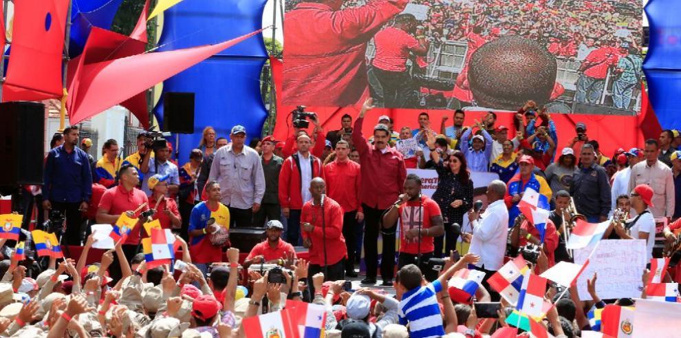 Caracas se moviliza en respuesta a las advertencias de EE.UU.