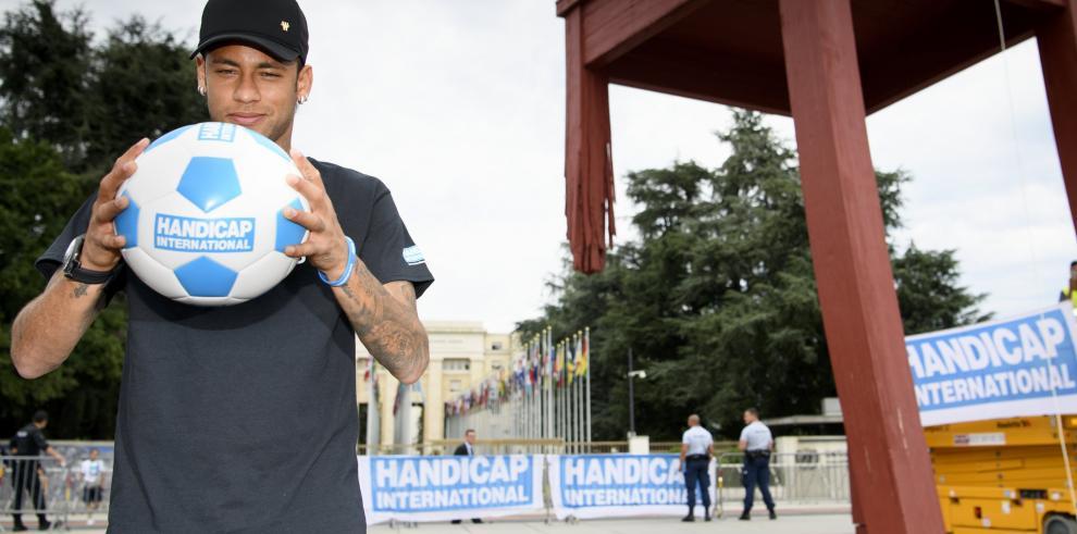 Neymar, embajador de Handicap International