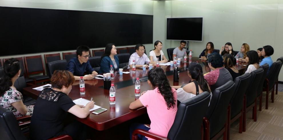 Primeros becarios panameños llegan a China