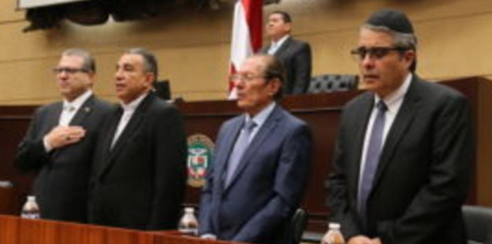 Asamblea y embajada recuerdan día de Holocausto