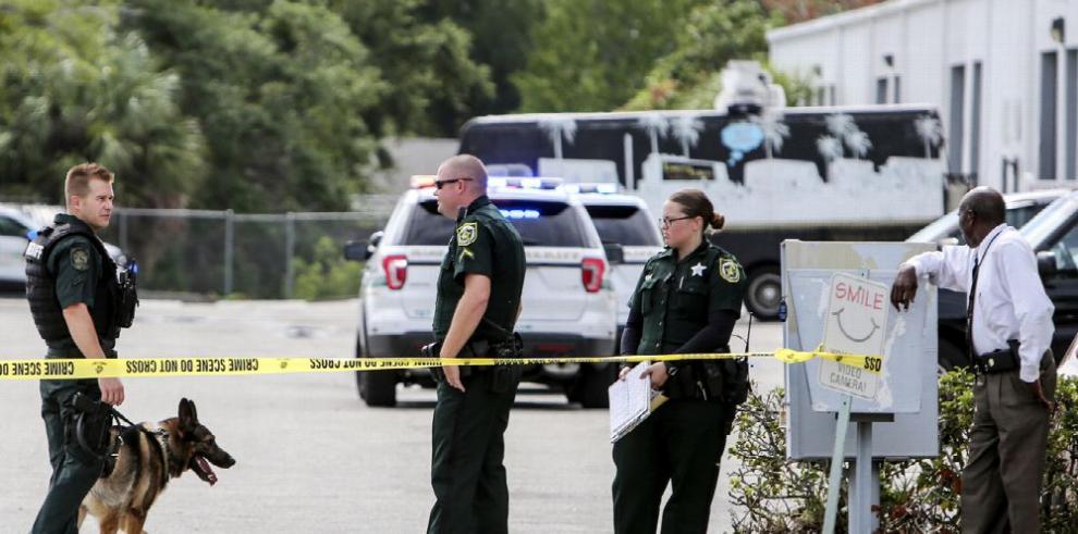 Tiroteo revive matanza de hace un año en Orlando