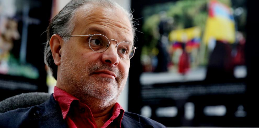 Carlos Franz: 'El relato nos libera de la esclavitud del pasado'
