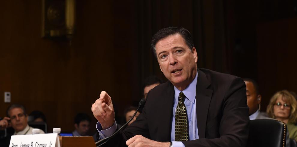 Trump echó al jefe de FBI por