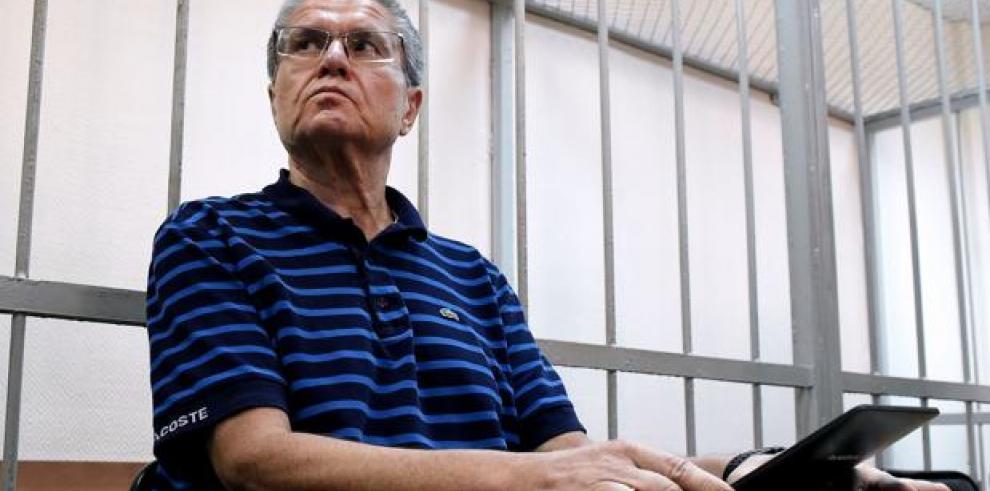 Exministro de Economía ruso condenado a ocho años de cárcel por soborno