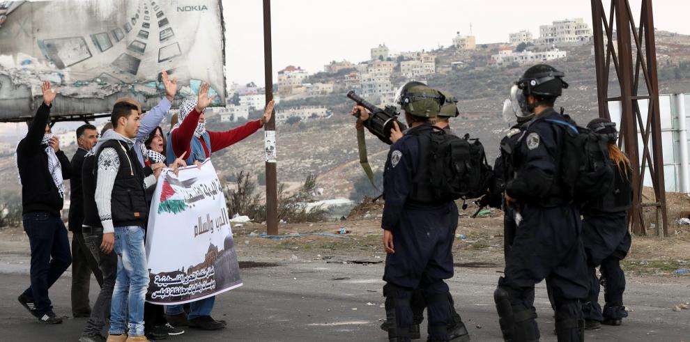Más de cien palestinos heridos en Día de la Ira contra la decisión de EEUU