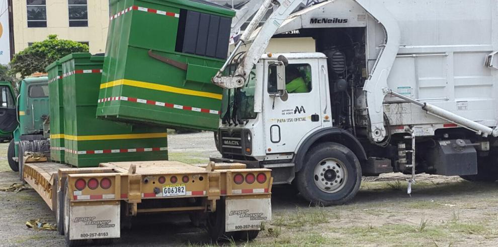 Autoridad de Aseo instala 2,260 contenedores en la ciudad capital