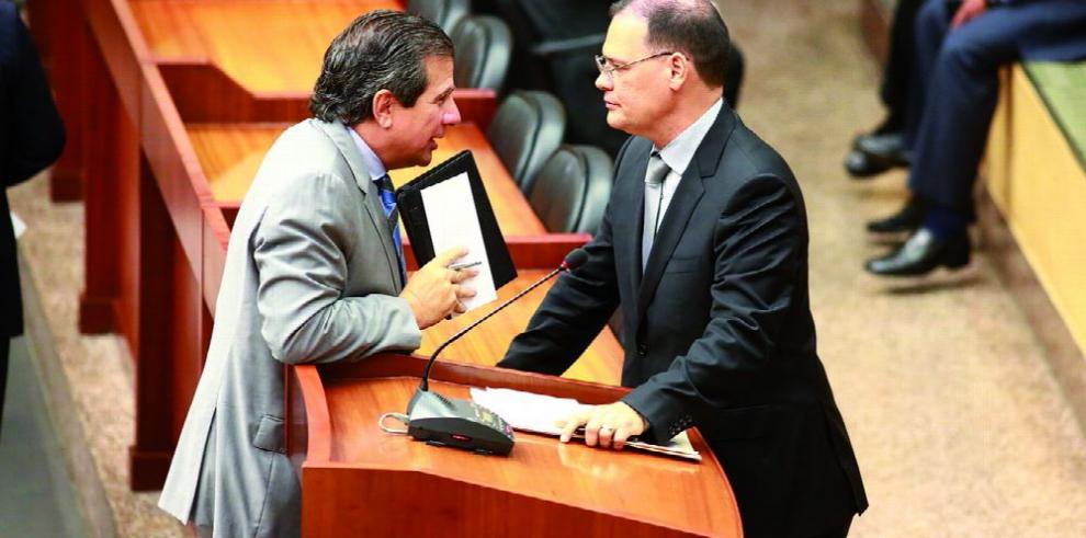 'Perredés' y panameñistas, en guerra por Odebrecht