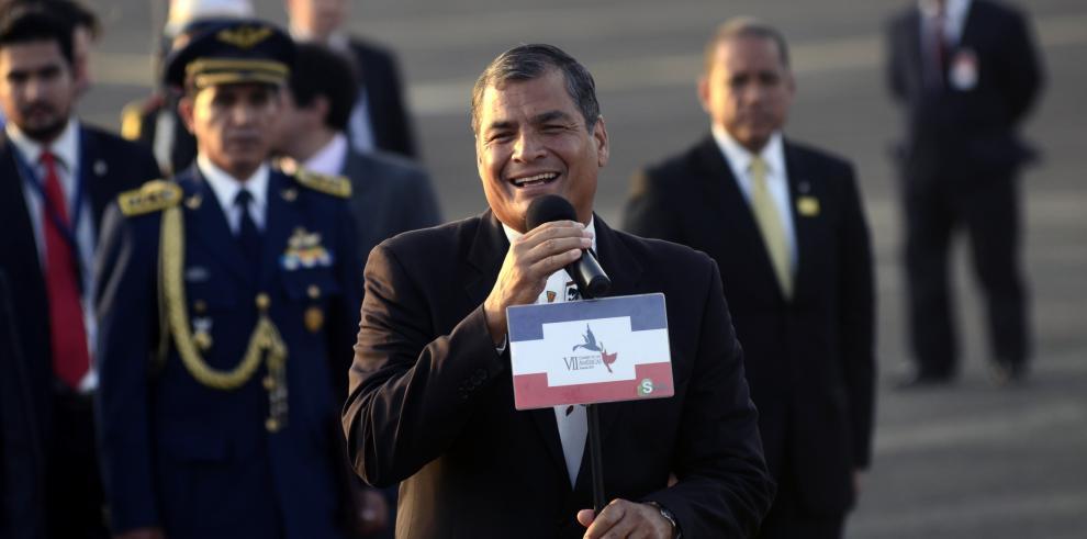 Rafael Correa está en Panamá y se reunirá con el secretario del Sica