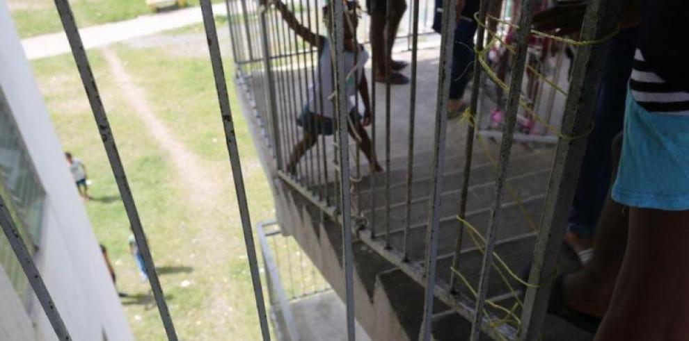 BHN: residentes de Curundú no habían reportado daños en torres de residencial