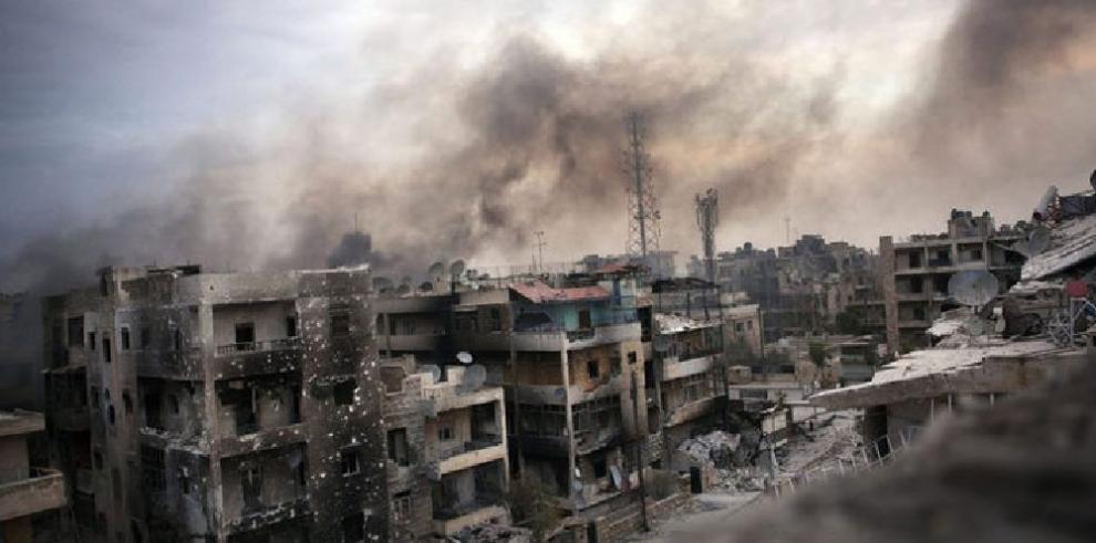 Fuerzas gubernamentales sirias progresan frente al EI en el este del país