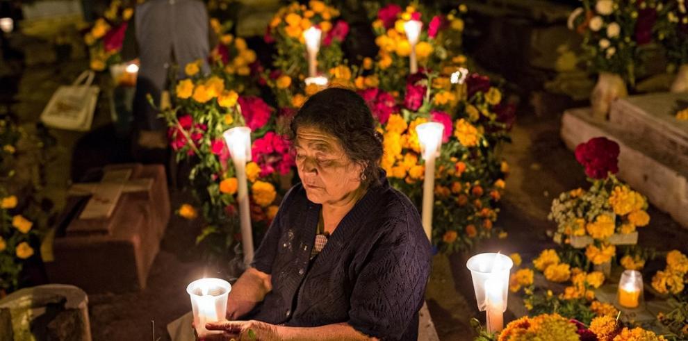 México honrará a víctimas del terremoto en el Día de Muertos