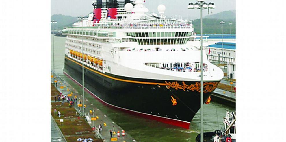 Más de 230 cruceros transitarán el Canal durante la temporada 2017-2018