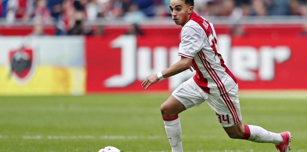 Jugador del Ajax que se desmayó en un partido sufre daño cerebral permanente