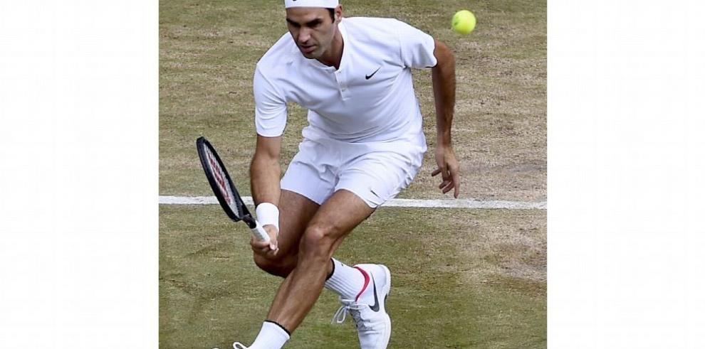 Federer, único de los grandes que sigue vivo en Wimbledon