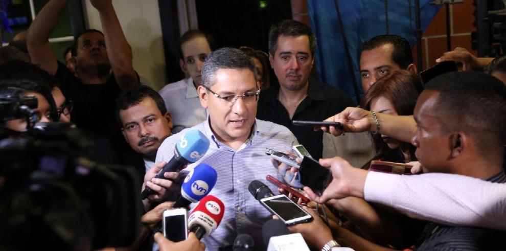'El único que pone licencias es el pueblo', Quirós