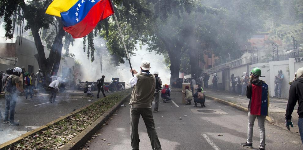 Aseguran que llamado a Constituyente evitará guerra en Venezuela