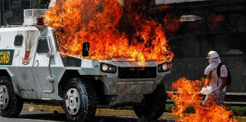 Defensor venezolano exige investigar muerte de joven durante protesta