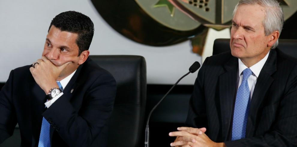 Panamá habla con diplomáticos sobre ataques a su plataforma financiera
