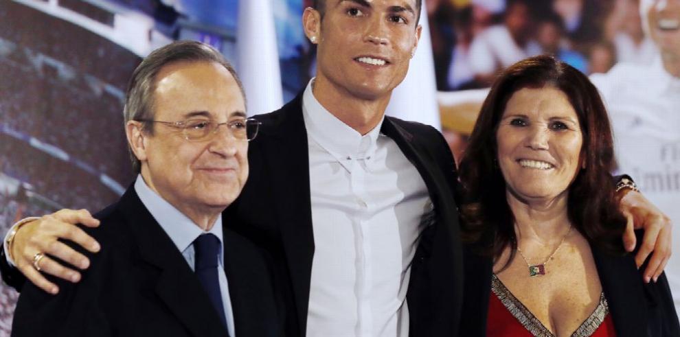 Ronaldo renueva con Real Madrid hasta el 2021