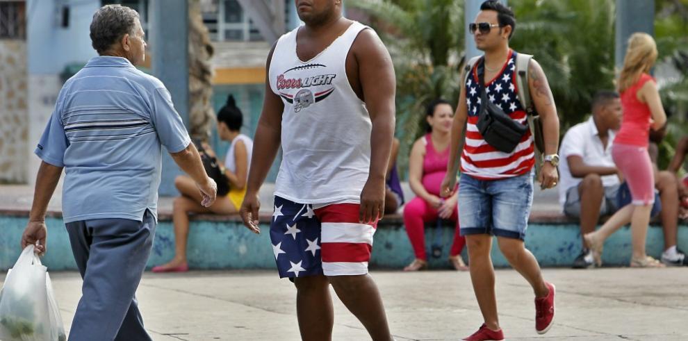 Cubanos confían en Clinton para seguir la senda de la reconciliación