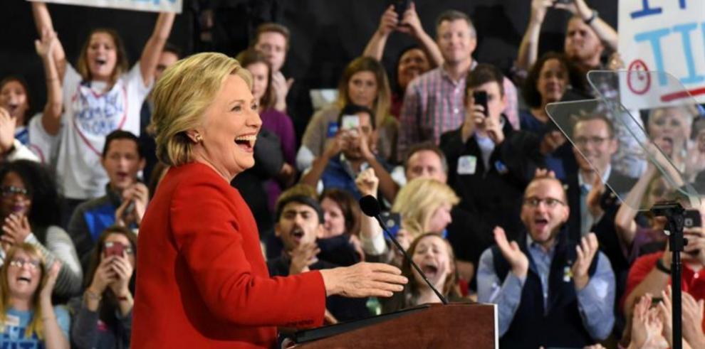 Clinton prepara celebración abierta al publico sin fuegos artificiales