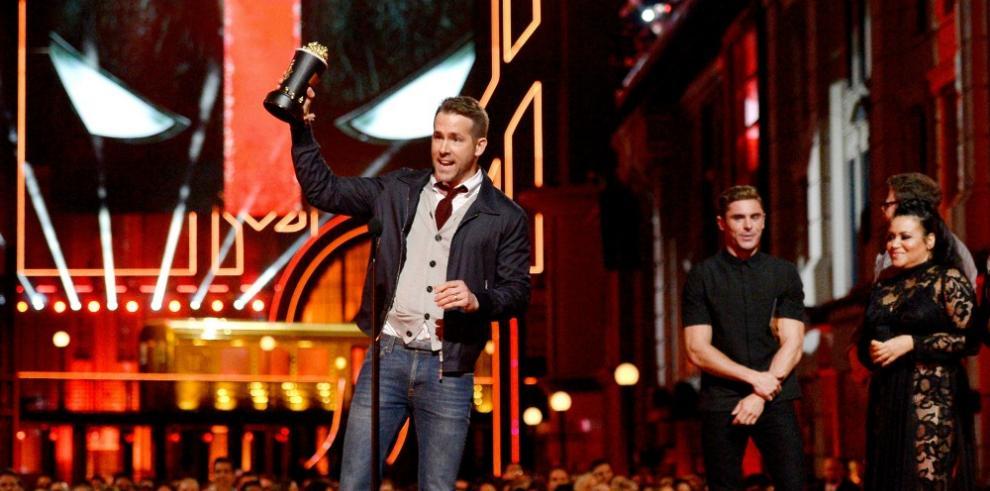 Ryan Reynolds volverá a ponerse la máscara en