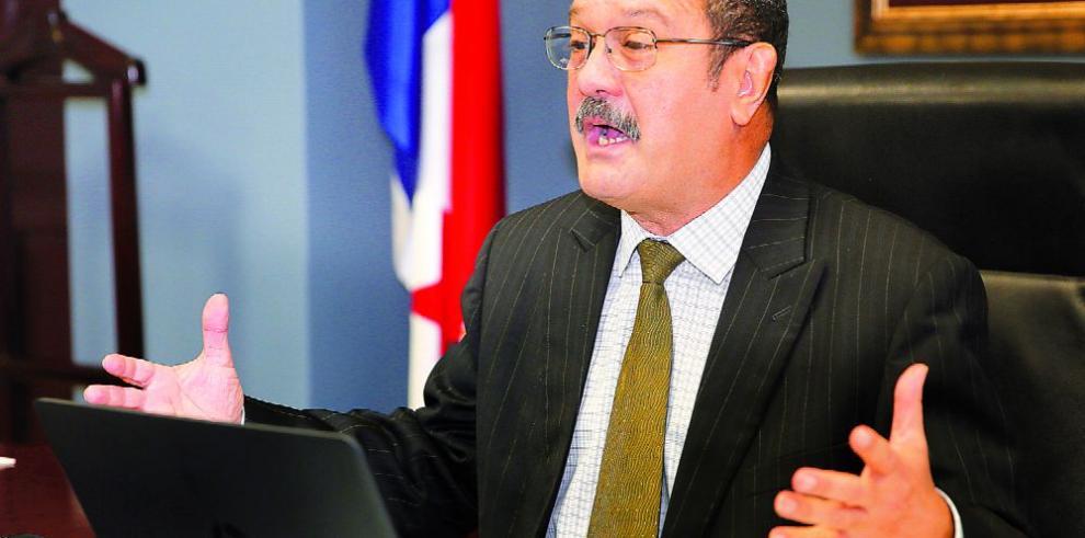 La Junta Directiva investiga viaje de Estivenson Girón