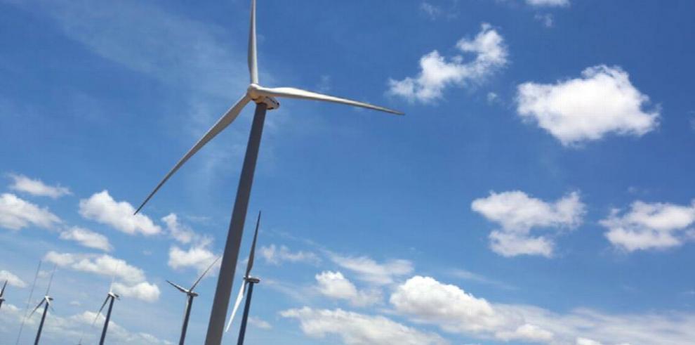 Inauguran parque eólico Laudato Si'