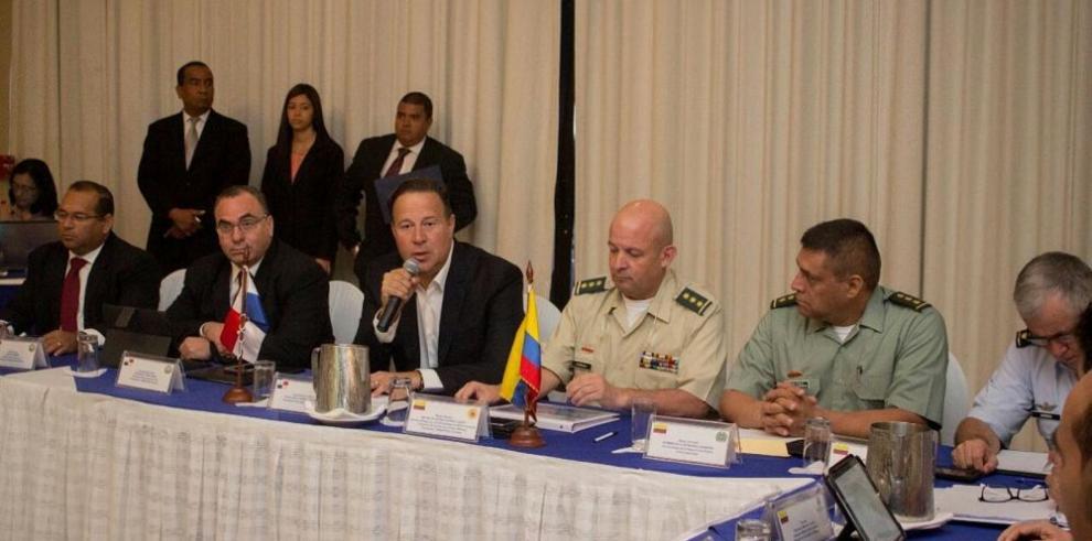 Varela coordina temas de seguridad con Colombia