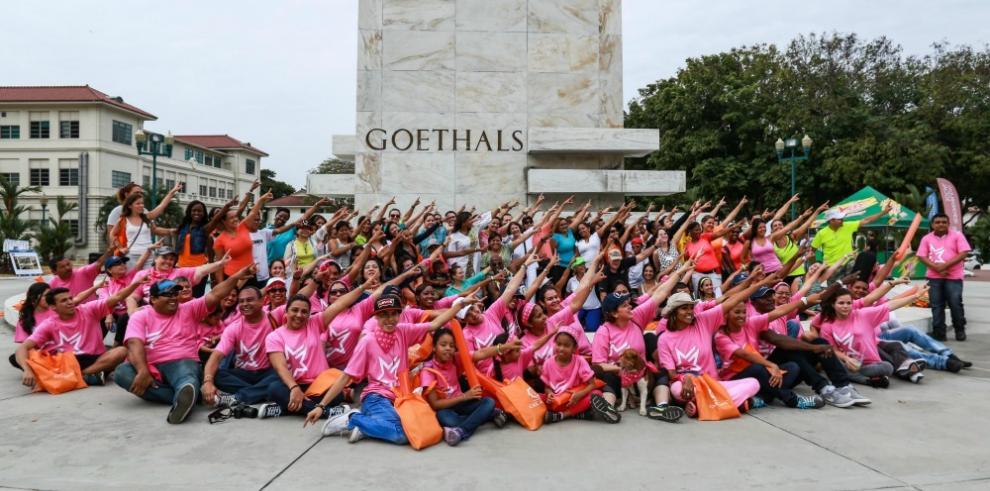 Mujeres participan del Mentoring Walk