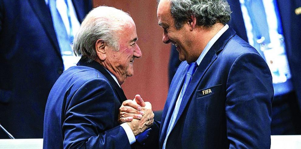 Piden mayor sanción para Platini y Blatter