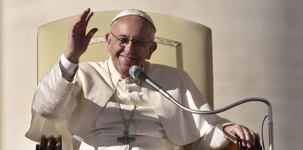 El papa pide a la comunidad proteger los derechos de niños
