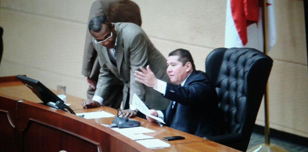 Asamblea le pedirá a la ATTT actuar con firmeza, en tema de las placas