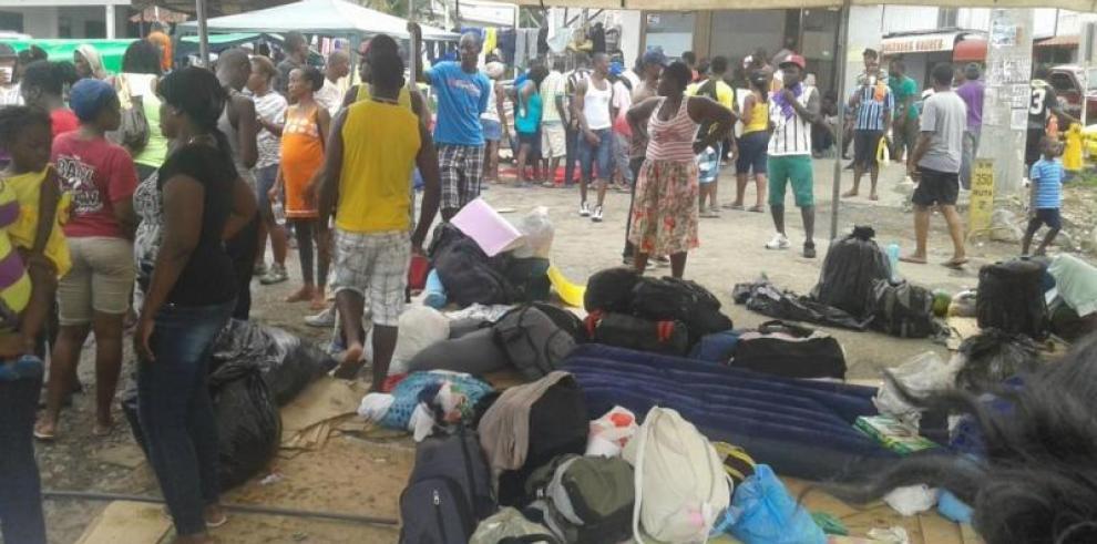Costa Rica denuncia que Panamá deja pasar a africanos ilegalmente