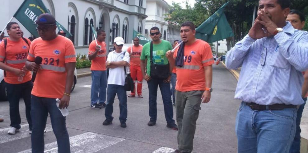 Sindicalistas reclaman a la Corte agilizar los procesos de amparo