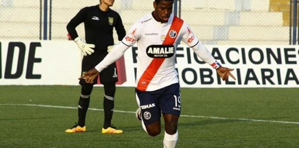 Sergio Moreno entre los mejores extranjeros del fútbol de Perú
