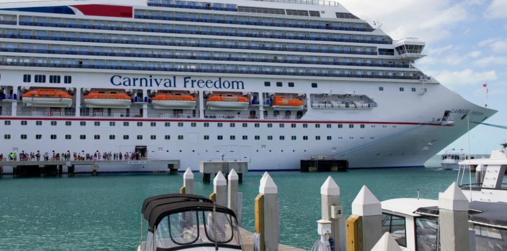 Carnival postergará cruceros si cubanos no pueden ingresar a la isla