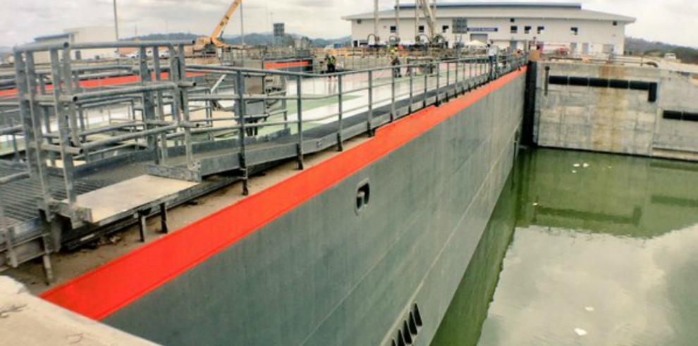 Linden Pride ganaprimera reserva para transitar el Canal ampliado