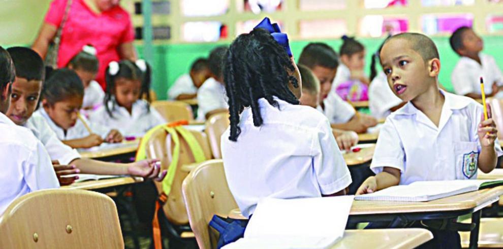 Faltan por nombrar 800 maestros en las escuelas