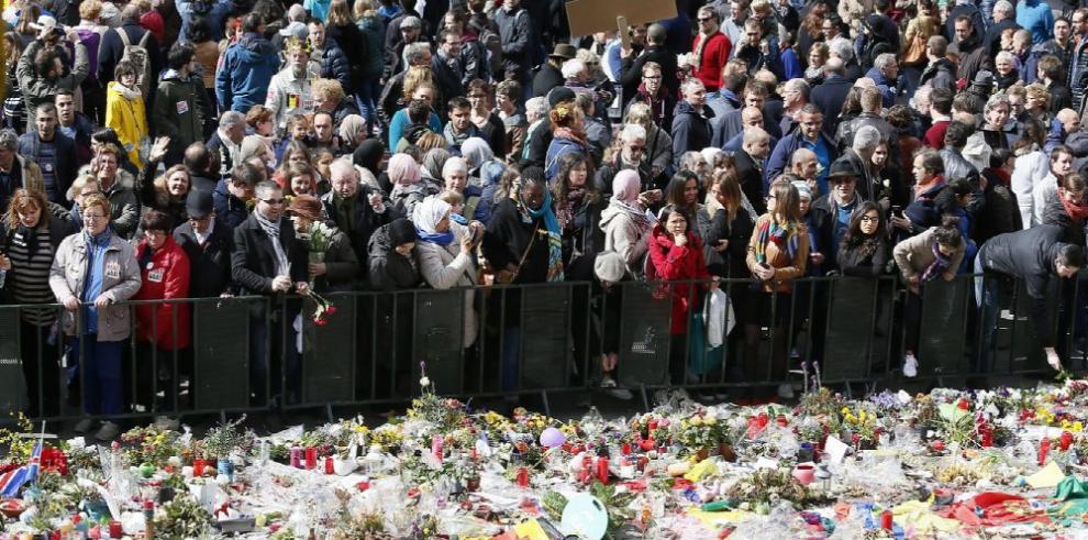 Bruselas recuerda a las víctimas del 22 de marzo