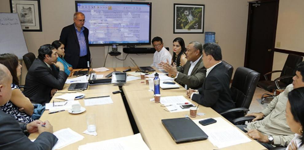Panamá avanza en modernización de estudios de impacto ambiental