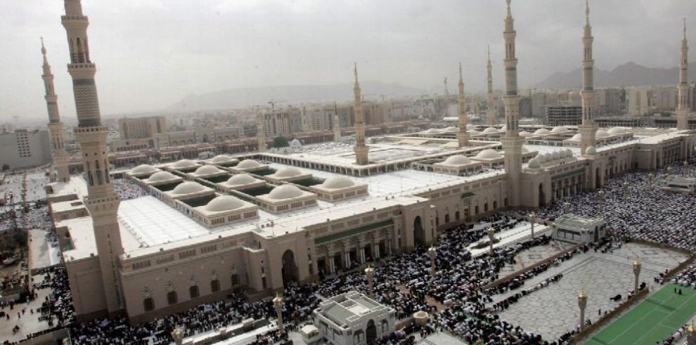 Una ola de ataques suicidas golpea a Arabia Saudí